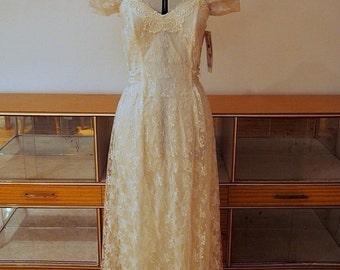 Tea length vintage wedding dress
