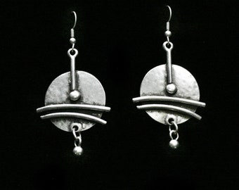 Antique Silver Plated Pewter Jewelry Earrings KU152