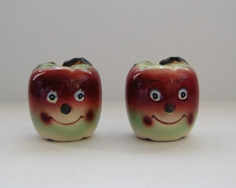 Vintage Anthropomorphic Apple Shakers, Vintage Salt and Pepper Shakers
