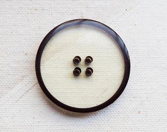 Transparent Design Button Resin 30mm Seven