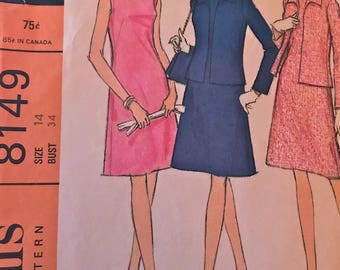 Classic Vintage Jacket and Flared Sheath Dress Ensemble---McCalls 8149---Size 14  Bust 34