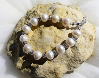 Bracelet with freshwater pearls and rhinestone rondelles