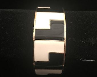 Terrific Enameled Bangle Bracelet In Black and White