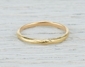 Textured Gold Wedding Ring - 2mm Hand Carved Wedding Band in Rose Gold, Yellow Gold, White Gold or Platinum