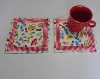 Quilted Mug Rugs Beach House, Summer Quilted Coasters, Snack Mat, Flip Flops, Sunglasses, Mug Mat, Cottage Chic, Retro, Set of Two
