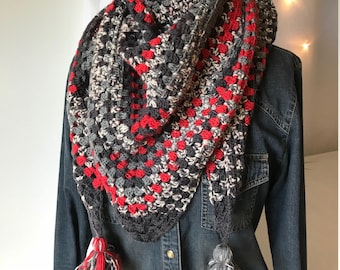 Game Day Triangle Scarf