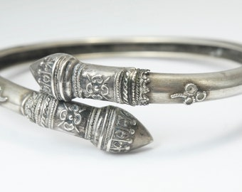 Antique vintage Victorian 1800s, silver plated, coil bangle, estate jewelry, costume jewellery, 19th century