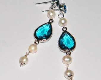 Stud earrings with Swarovski and freshwater pearls