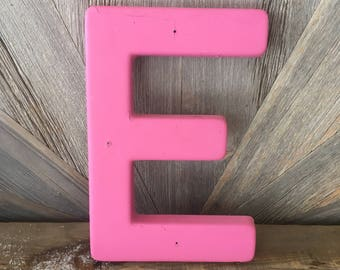 Vintage Letter E Old Sign Pink Large Medium 18 inch Hard Plastic Letter {Rusty Chipped} Wall Hanging, Wedding Party Decor, Antique Alphabet