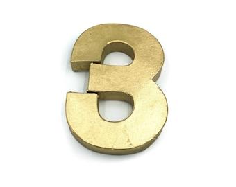 Gold number centrepiece