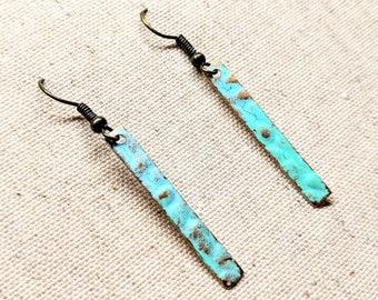 Solid Brass Earrings / Minimalist Earrings / Brass Patina Earrings / Rectangle Earrings / Geometric Earrings / Hammered Brass Earrings
