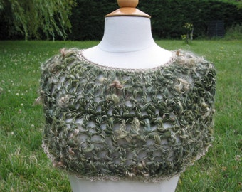 shoulder warmer with handspun yarn, jade and gold