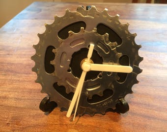 Upcycled bike cassette desk clock