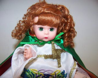 Emerald Isle Madame Alexander 8 in doll MIB (different version)