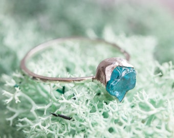 Silver ring with blue Apatite raw stone
