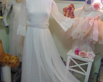 Vintage 1960s Simple Elegance Bridal Gown sz 10 60s Twiggy Chiffon Overlay Romantic