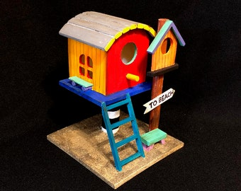 New - TO BEACH BIRDHOUSE: A Beach Lifeguard Station Birdhouse With Sand!