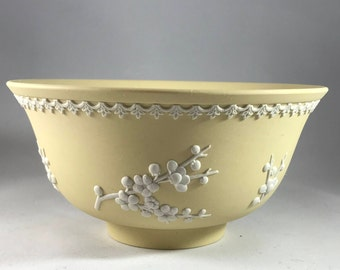 Vintage 1976 Wedgwood Jasperware Primrose Yellow Bowl