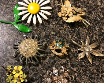 7 Vintage Flower Brooches