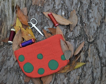 Red pencil case for objects oak