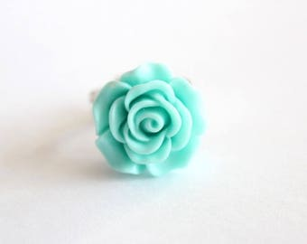 Color: Green Mint resin rose ring with flower