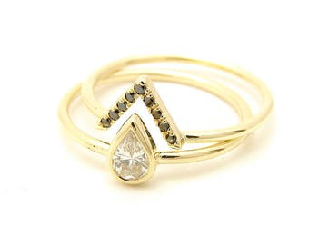 0.25 Carat Diamond Ring - Pear Diamond Ring &  Black Diamonds V Ring - Diamond Gold Ring - Diamond Wedding Set - Engagement Diamond Ring