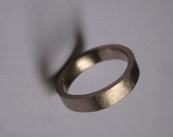 Recycled 14 ct white gold ring