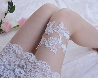 off white bridal garter, white lace garter, wedding garter, bride garter,, vintage garter, wedding garter set, toss garter
