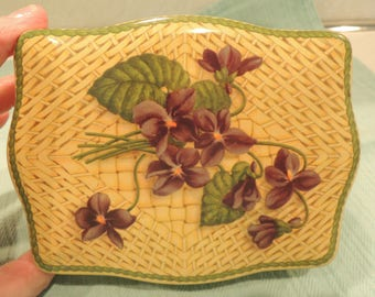 Tin, Palm Toffee, Walters Palm Toffee candy tin, England, Violets, Lithographed tin,Very good condition, Vintage