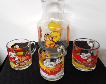Vintage 1978 Garfield Glass Pitcher and 3 Mugs Jim Davis McDonalds