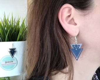 Blue and grey geometric triangles