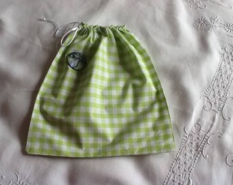 simple green gingham fabric pouch