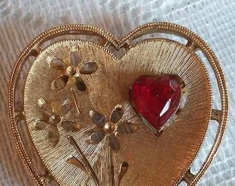 Vintage heart brooch red rhinestone