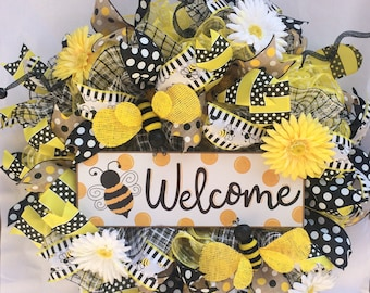Welcome bumble bee front door wreath, summertime, yellow, black, daisies, ribbon, stripes, polka dots