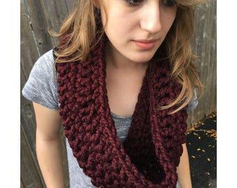 Crochet Chunky Cowl, Crochet Scarf, Women's Scarf, Handmade Crochet Infinity Scarf    Short Chunky Cowl