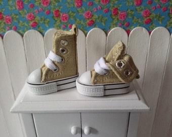 Zapatillas beige para Blythe y Pure Neemo