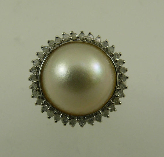 Mabe 12.1 mm White Pearl Ring 14k White Gold and Diamonds 0.27ct