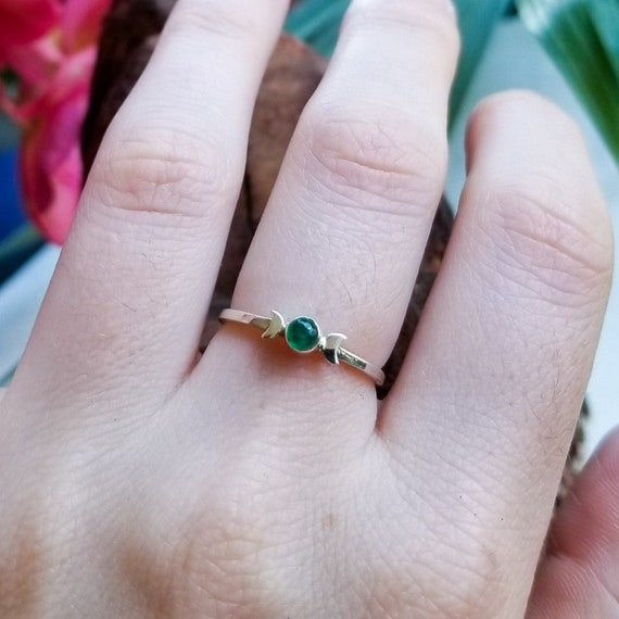 Emerald Moon Ring, Silver Moon Phase Engagement Ring, Witch Wedding, May Birthstone, Green Stone, Wizard of Oz, Chakra, Gift for Her