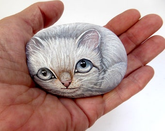 Painted Stone-White-Kitty-Home Decor-Paperweight-Rock Art-Cat Lovers