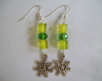 Green Snowflake earrings, green earrings, silver earrings