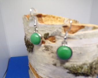 earrings with 12 mm Malaysia jade stone cabochon