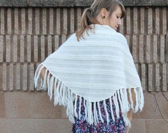 Vintage 60s 70s BOHO Folk White Knit Zig-Zag Stripe Weave FRINGE Tassel Rounded Edge Shawl - Free Size