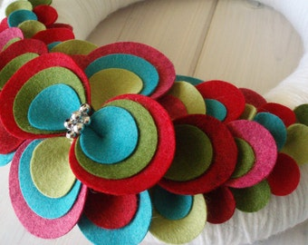 Yarn Wreath Felt Handmade Door Decoration - Medallion 12in