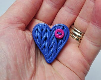Heart brooch, Heart pin, Blue brooch, Heart gift, Gift for her, Knitted brooch, Heart jewellery, Gift for knitters, Valentine's gift