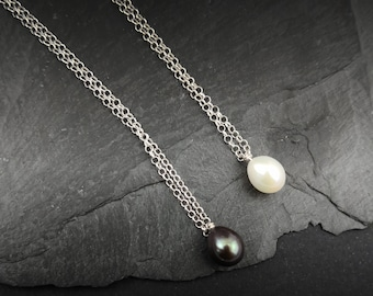 Layering single freshwater pearl necklace  Drop Pearl Minimalist jewelry Delicate chain Gift for her Pearl choker Dainty Small Necklace