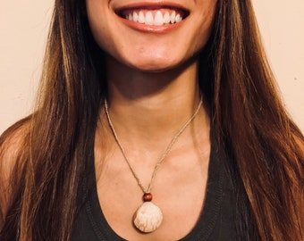 Biege and cream seashell necklace