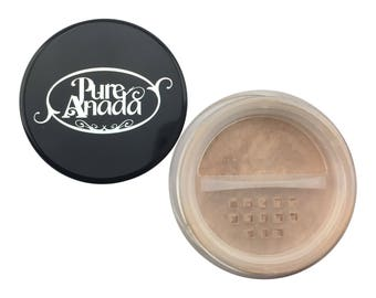 Beige in Banff Loose Mineral Foundation: Medium (Cool)