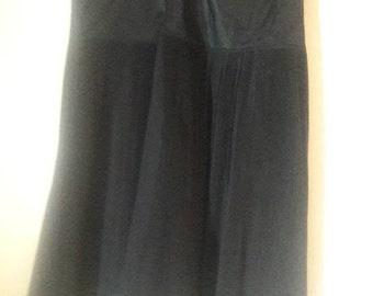 VINTAGE 1950's Barbizon Black Crinoline Pleated Petticoat Petite 14/16 Medium