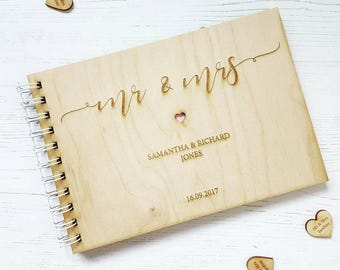 Mr & Mrs wooden Wedding Guestbook