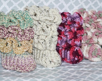 Crochet ruffled baby booties, ruffle booties, baby booties, stylish booties, READY TO SHIP